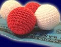 Becherspiel Häkelball Flumi, set of  4
